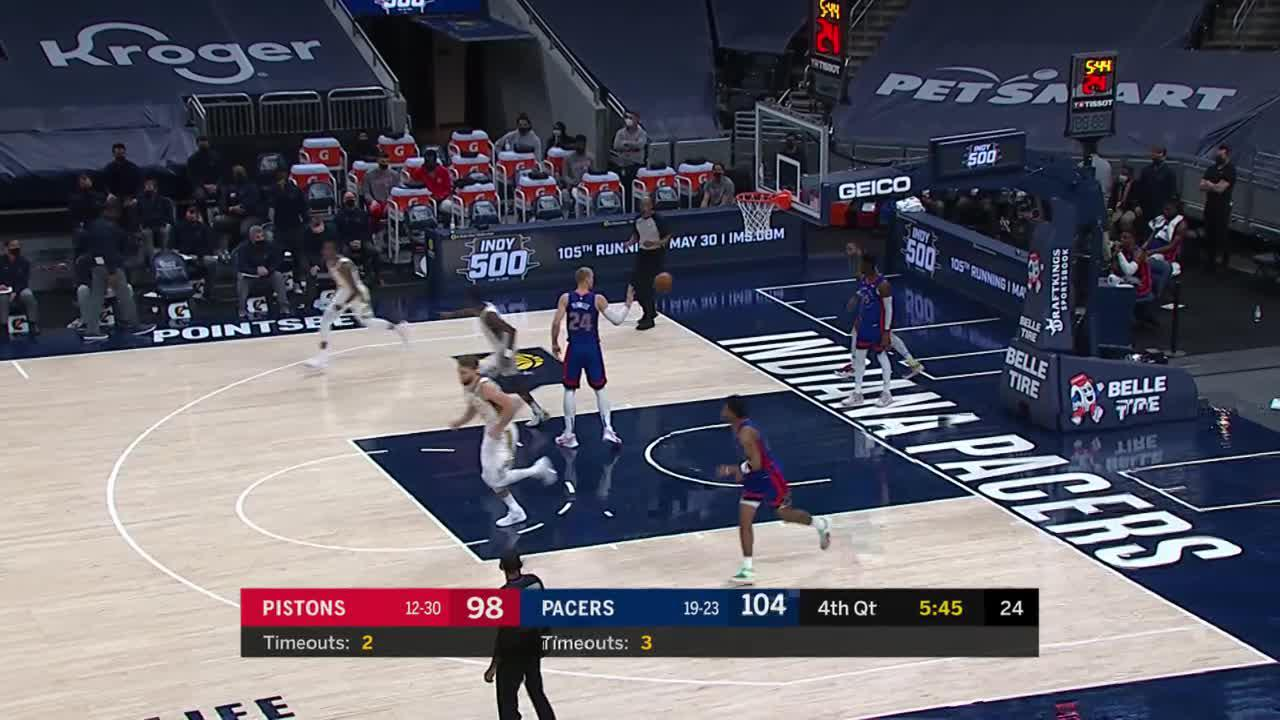 Sumner and LeVert Connect on the Fastbreak