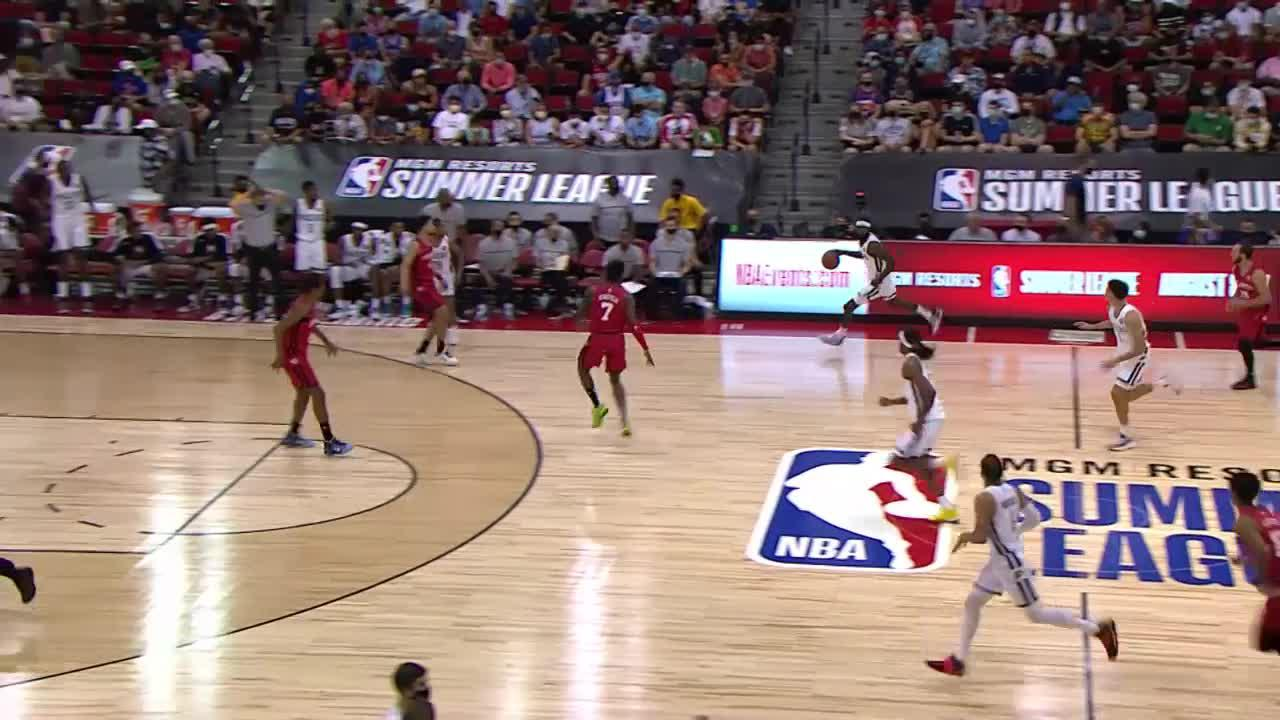 Duarte Feeds Jackson For Alley-Oop