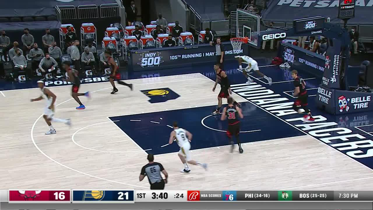 LeVert Works Off the Dribble