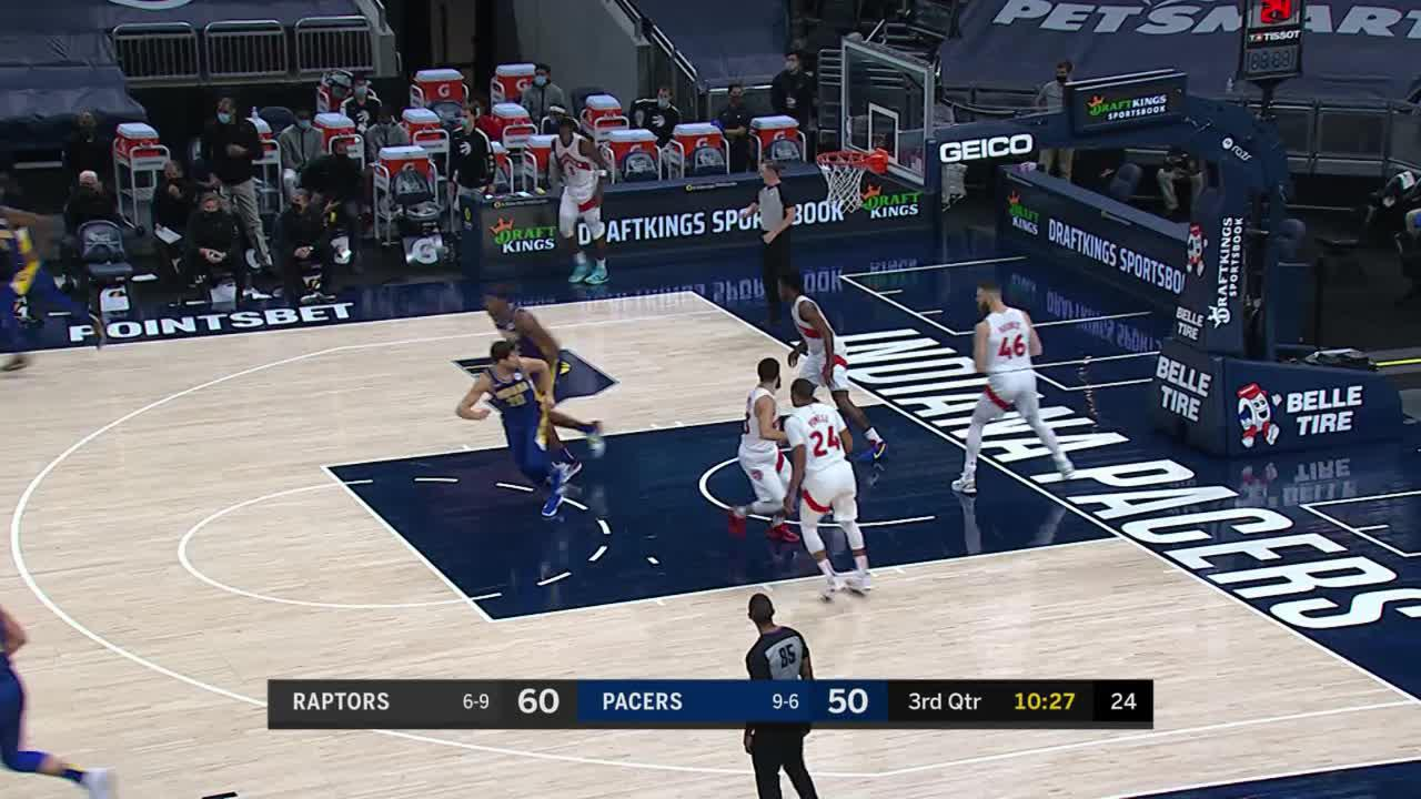 Brogdon Finds Holiday in the Corner