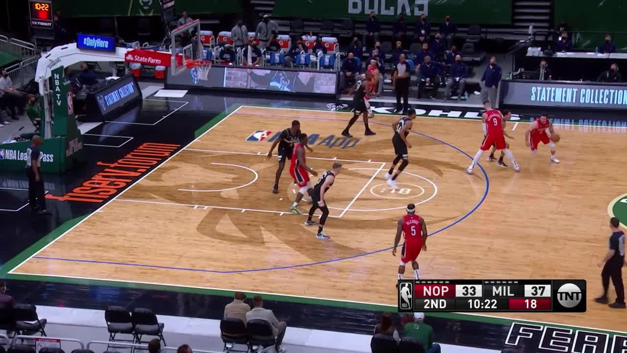Assist by Josh Hart | Pelicans-Bucks Highlights
