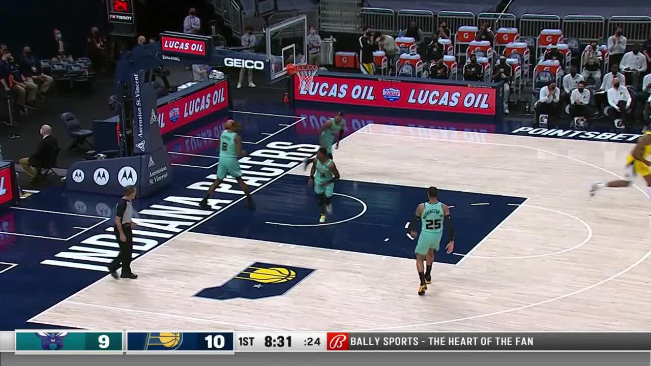 Sabonis Hits Turner Down Low