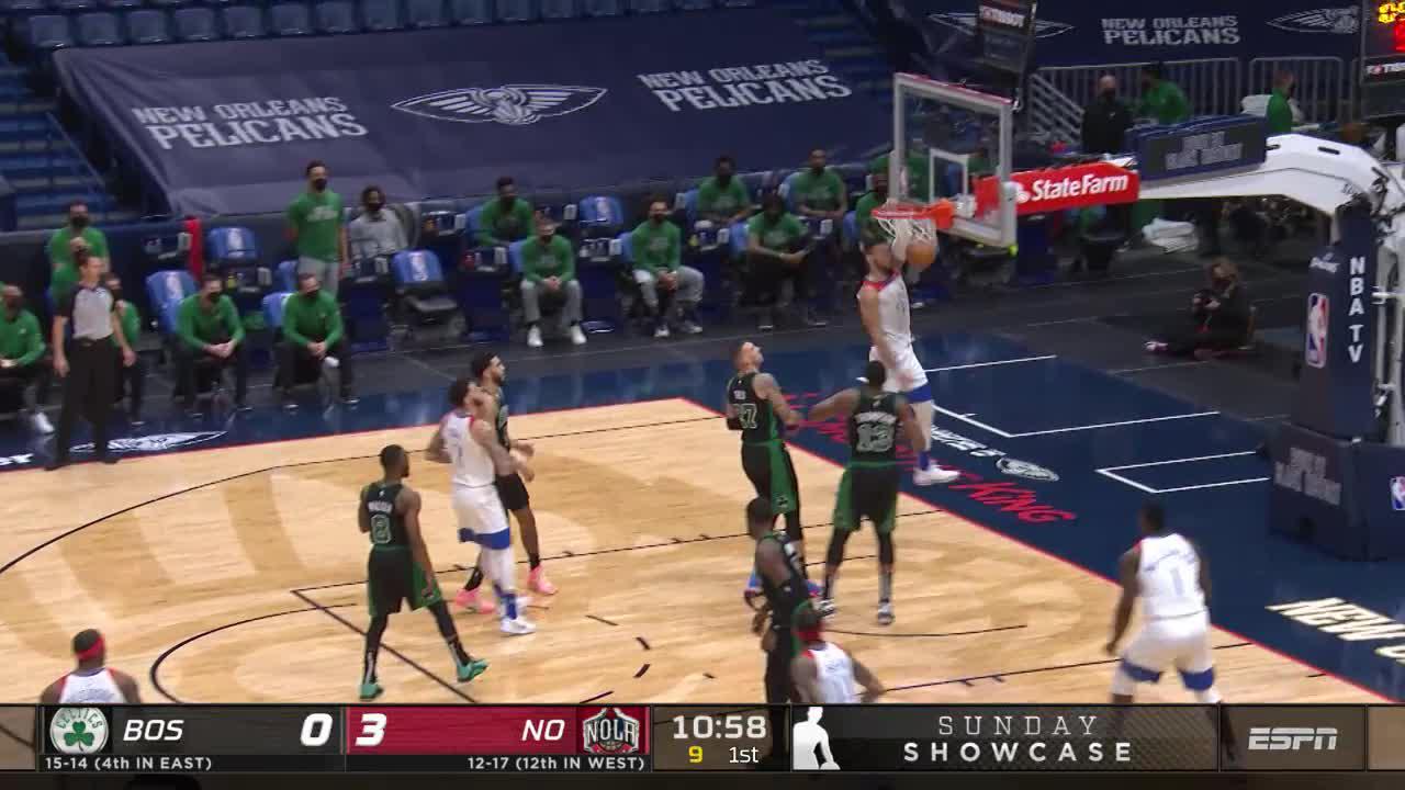 Willy Hernangomez slam   Pelicans-Celtics Highlights