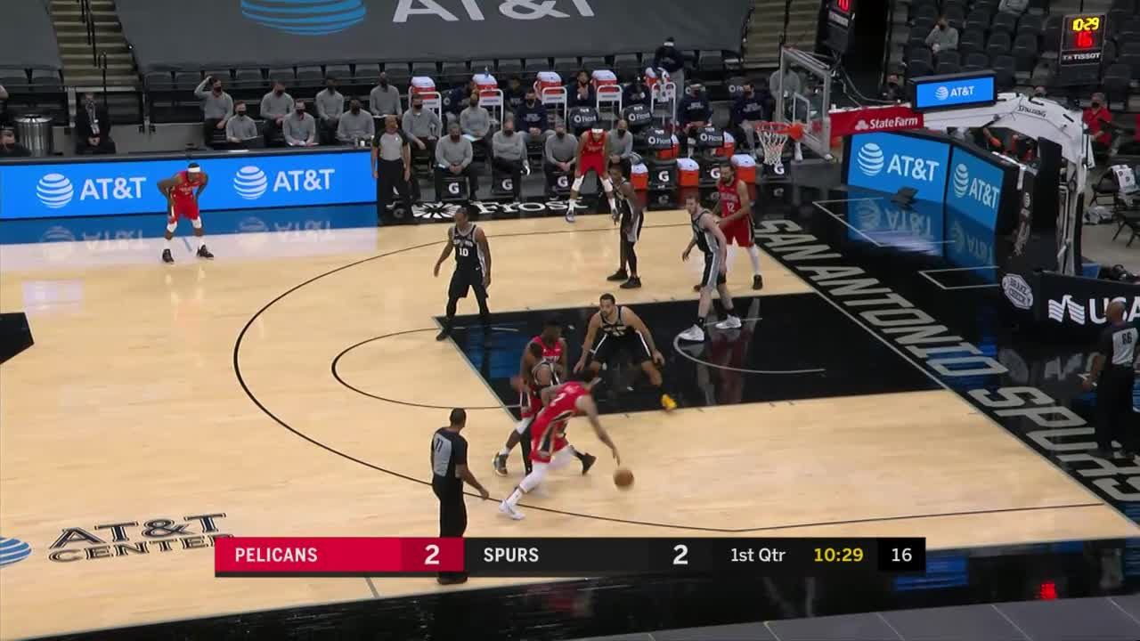 Steven Adams finds Brandon Ingram for the corner three-pointer | Pelicans-Spurs Highlights
