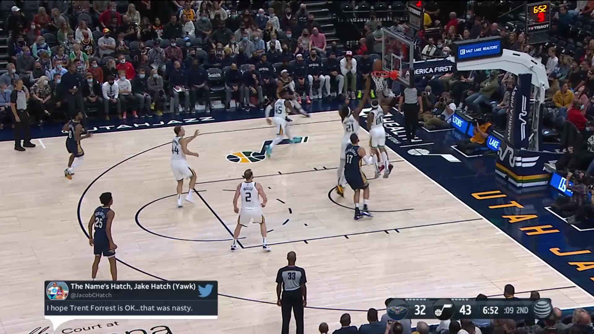Herbert Jones reverses off the assist by Jonas Valanciunas | Pelicans Preseason: Pelicans at Jazz 10-11-21