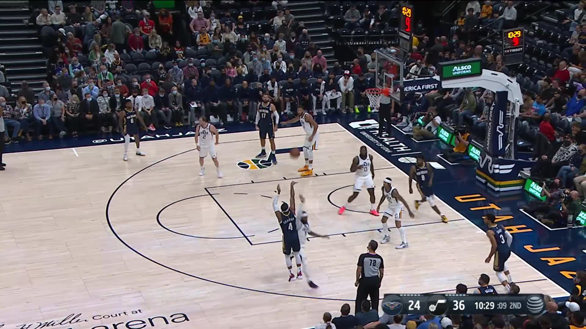3-pointer by Devonte' Graham off the assist by Jonas Valanciunas | Pelicans Preseason: Pelicans at Jazz 10-11-21
