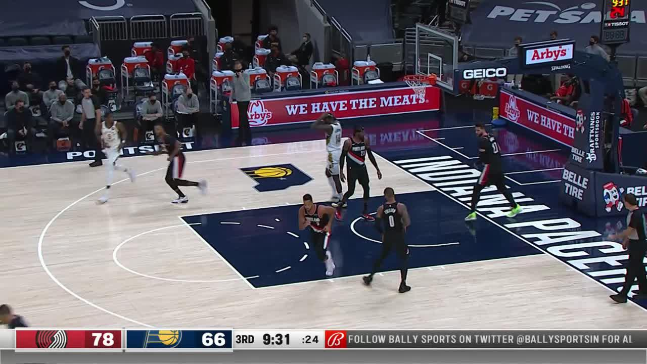 LeVert Fades Away in the Paint
