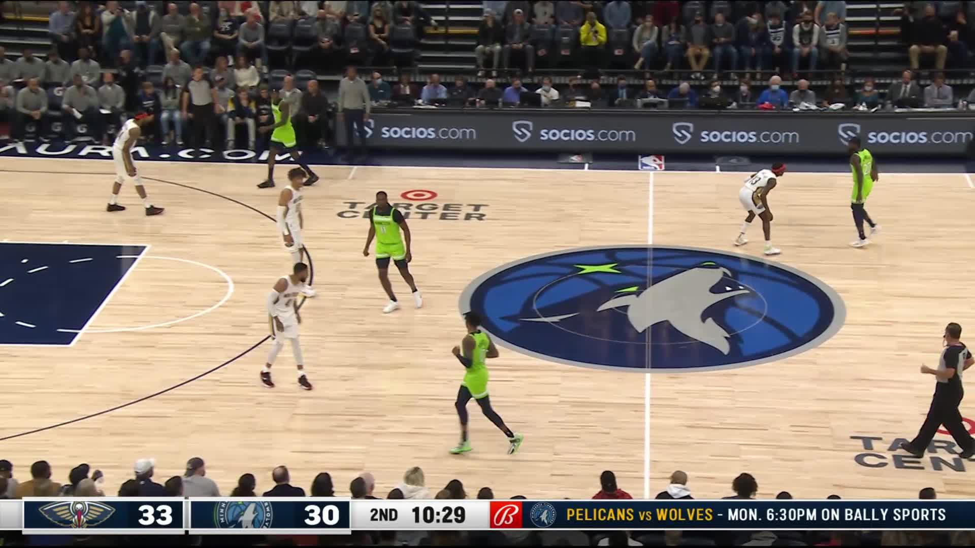 3-pointer by Naz Reid